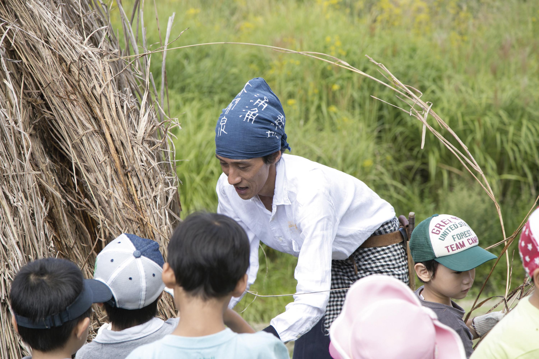 150919阿部洋平さん0098_三木山森林公園WS_相良さんと子ども